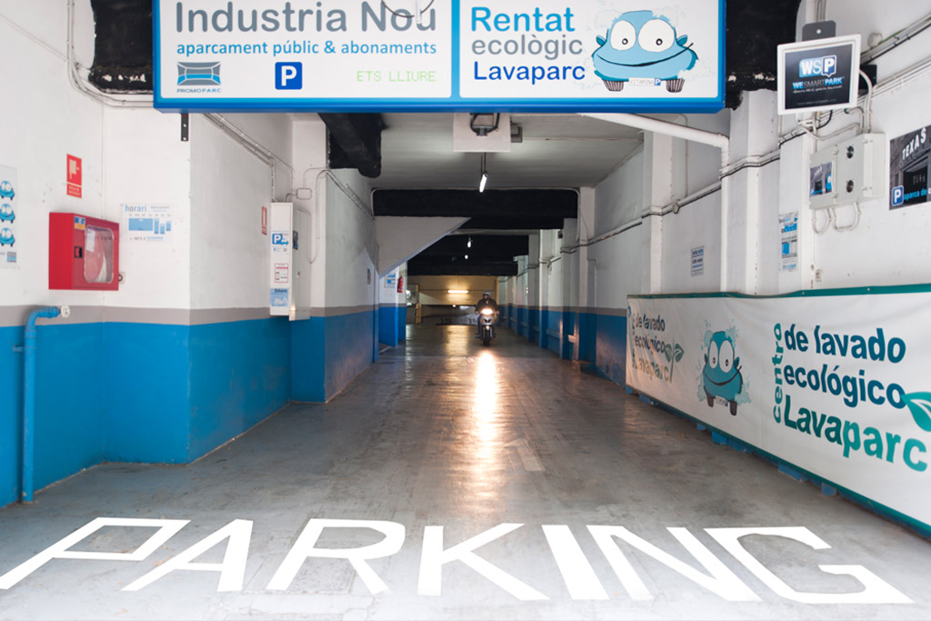 parking cerca sagrada familia