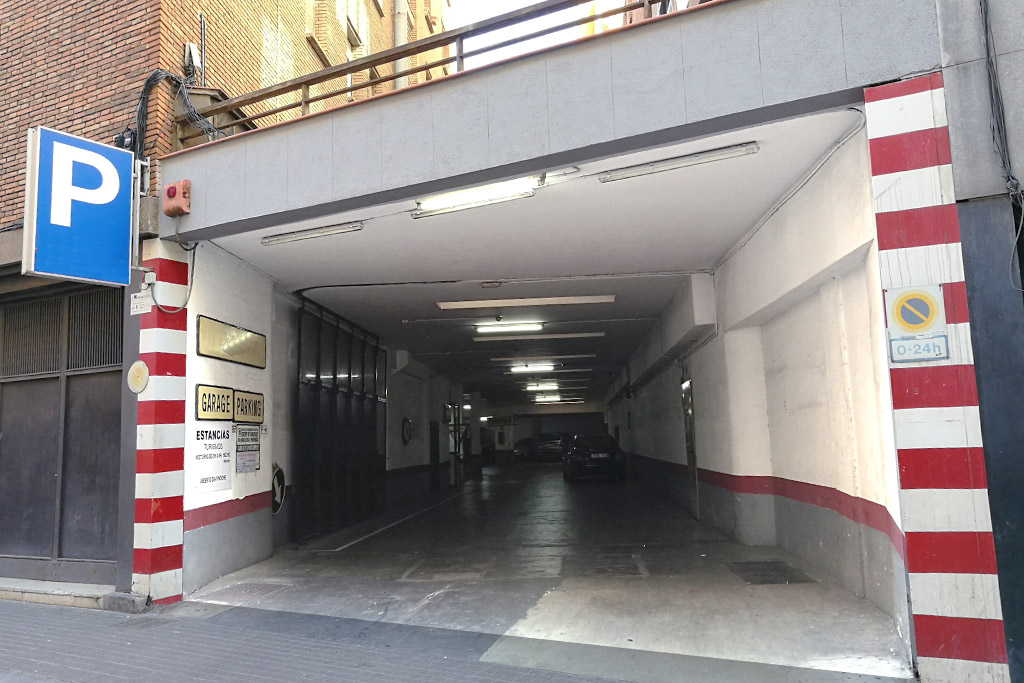parking poble sec